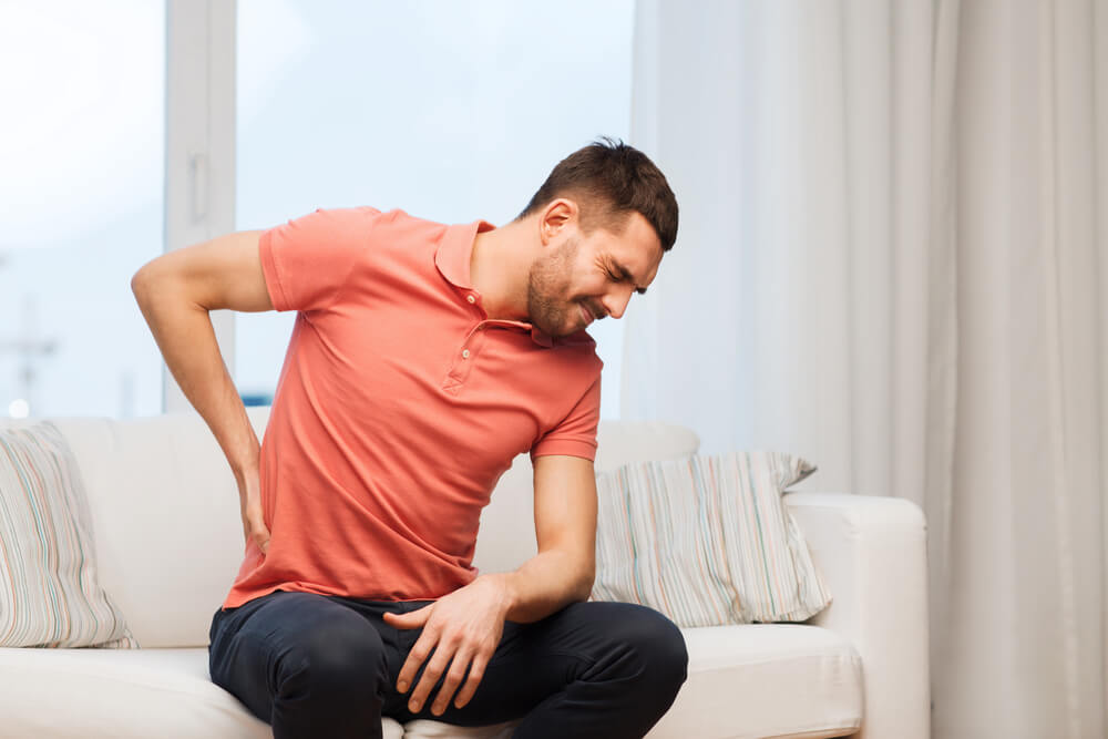Sharp Pain In Lower Right Side of Back/ Hip: 5 Common Reasons